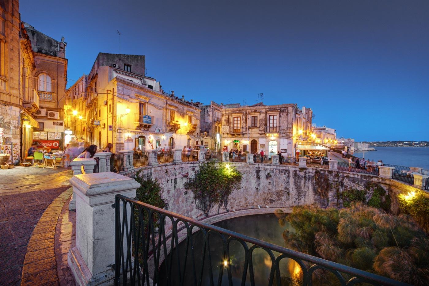Siracusa ortigia e noto manganelli palace hotel catania for Hotel il parco siracusa